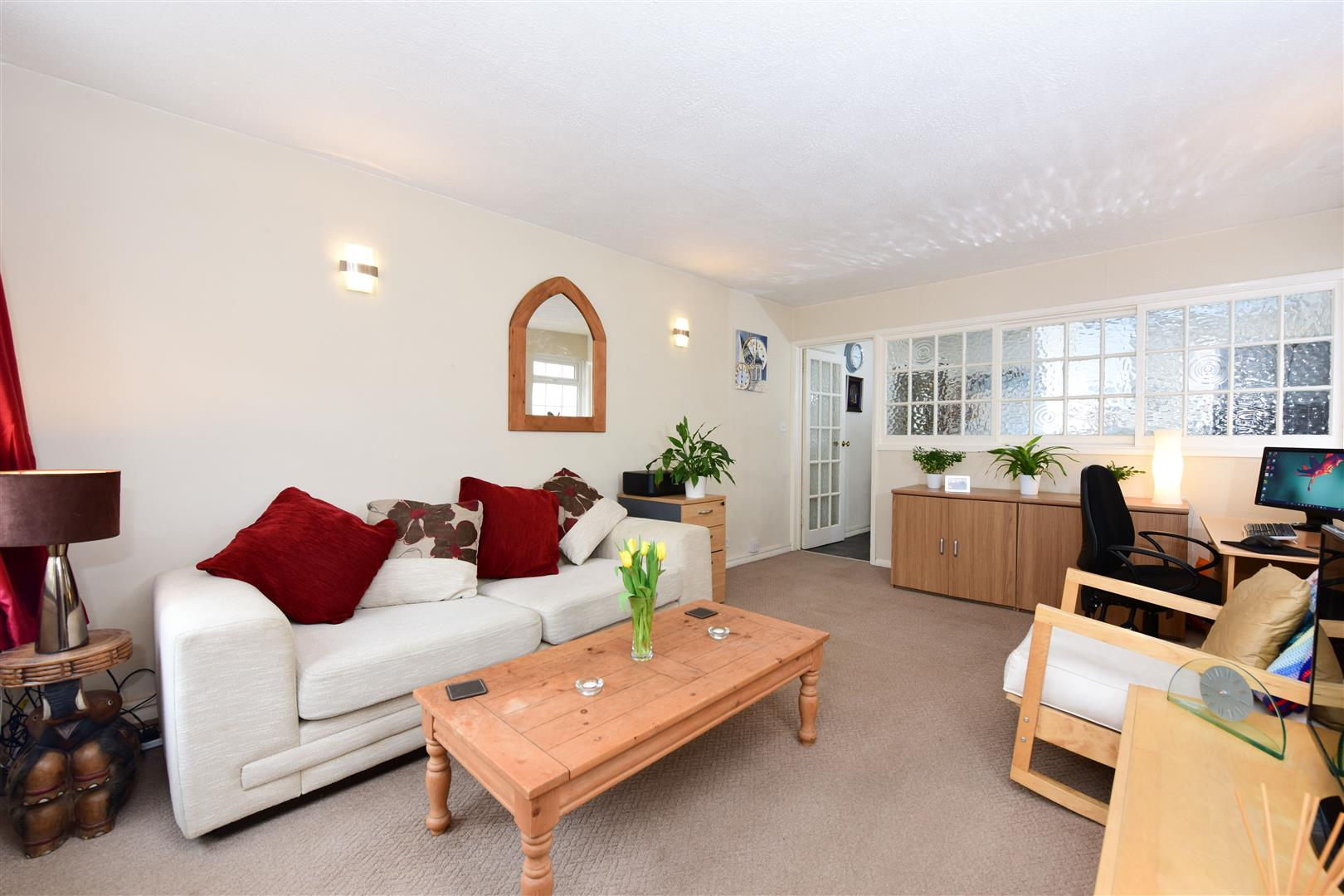1 Bedroom Bungalow for sale in Police Station Road, Hersham, Walton-On-Thames